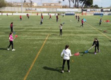 A la revista nou makale: Els alumnes de primer d'ESO fan touch, hoquei i lacrosse